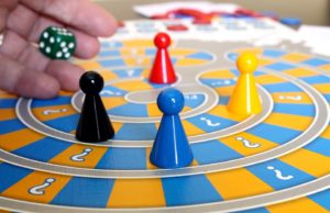 family-game-588908_960_720